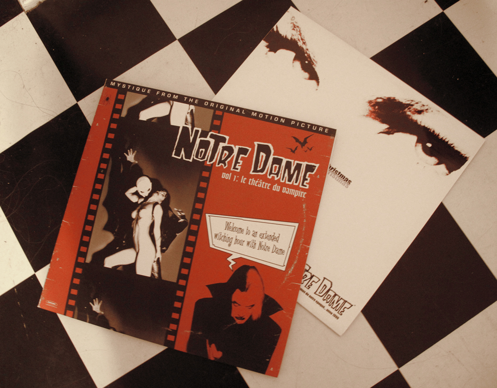 ALBUMS : DVD, CD & VINYL